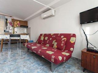 Apartment and Rooms Ivan - 45191-A14, Makarska