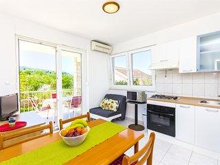 Apartments Kažimir - 45981-A2, Necujam