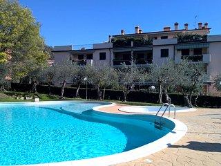 Lerici-Piana del Sole in residence con piscina a 8 minuti a piedi dal mare