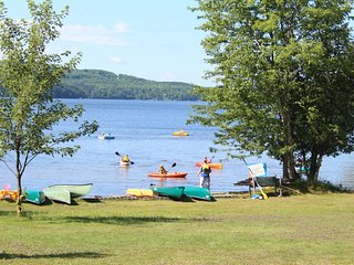 Lookout - 2 bedroom Lakefront cottage on Peninisula Lake, Huntsville, Ontario