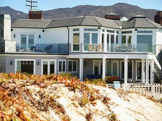 #699 Malibu Beach Villa with Stunning Ocean View