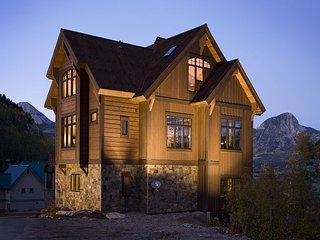 The Cantilever Lodge - Purgatory's Finest Luxury Home, Durango