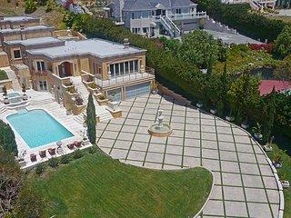 #703 Malibu Villa with Beach Front