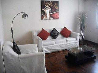 01 bedroom apartment half block from Malecon