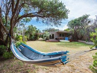 Tasman Surf House - so close to the beach