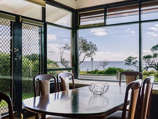 Beach Front Beauty - Ocean front views, Dromana