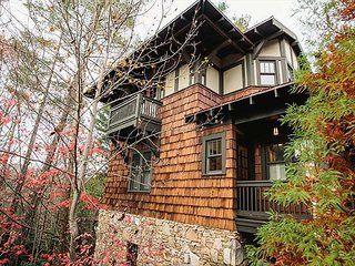 Tranquility Treehouse, Black Mountain