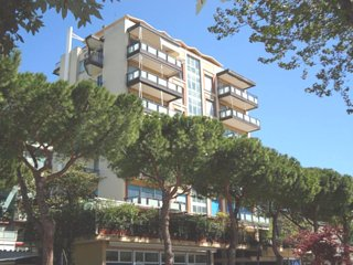 Apartment - 200 m from the beach, Rimini