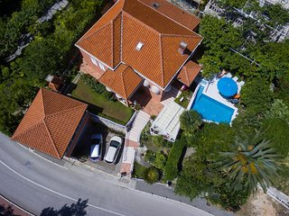 Villa - 50 m from the beach, Mlini