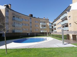 IDEAL FAMILY APARTMENT WITH SWIMMING POOL AND GARAGE ref OSCAR