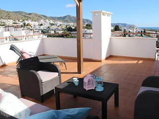 Andaluz Apartments - MDN03 - roof terrace - pool - Wifi - air con - parking