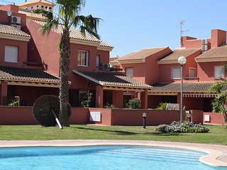 Large quality 3 bedroom house on Albertros 2