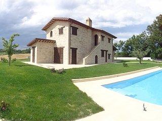 Villa con piscina a 15 km dal mare 4 camere 4 bagni