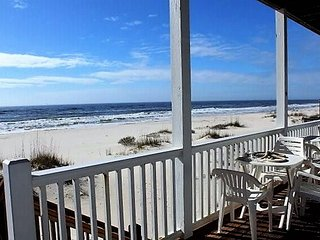 Beachfront Retreat!  Large family-friendly home. Reduced Rates!
