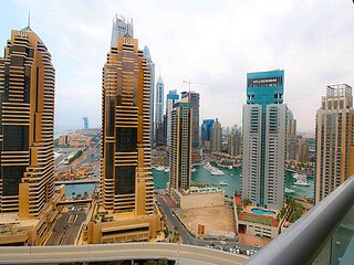 Stylish 1BR with Burj-Al-Arab, Marina & Sea views., Dubai