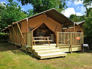 Luxury Safari Tent in beautiful grounds