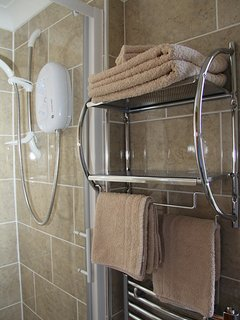 Large shower cubicle