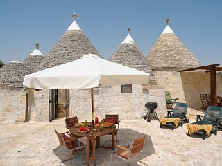 Traditional trullo - private pool - privacy - concierge - watch drone tour video