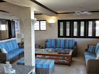 EXCLUSIVE Beach FRONT  1 BEDROOM GROUND FLOOR BEACH APARTMENT