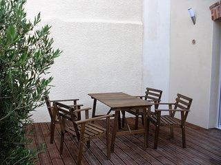 2 pièces tout confort hypercentre parking terrasse, Reims
