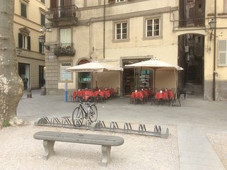 Top Location in the heart of historic centre of Lucca, WIFI Air--con