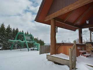 Gorgeous ski-in/ski-out property within walking distance to ASCI