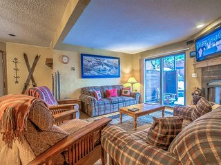 Beautiful Ski Condo With Great Amenities and Location, Steamboat Springs