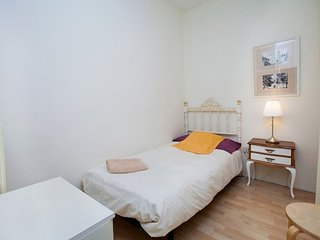 Apartment 544 m from the center of Barcelona with Internet, Lift, Washing