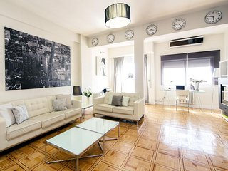 Spacious Luxury Alcala  apartment in Salamanca with WiFi, integrated air conditi