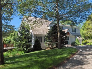 EXCITING COMTEMPORARY VACATION HOME BY THE LAKE!! 134110, Centerville
