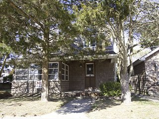 413 Yale Avenue 93196, Cape May Point