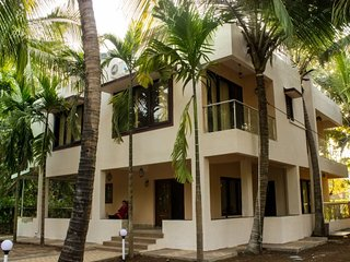 Palmeraie - A Serene Calm Luxury Homestay at Nagaon, Alibaug