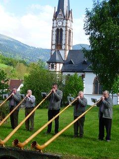 Traditions : Les sonneurs de Cor des Alpes