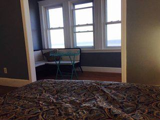 Ocean view apartment minutes to Downtown Boston and airport