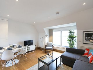 **Best Rates ** Central London 2 bedroom Apartment for 6 GMMLM5