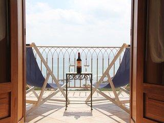 Villa sul mare, 5, parking and free wifi, Sciacca