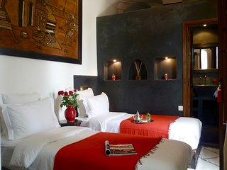 Charming twin room in historic riad, Marrakesch