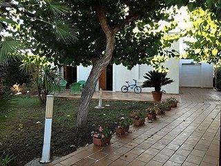 Villa unifamiliare con giardino sul mare, Giovinazzo