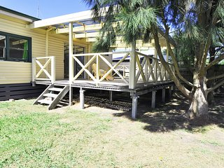 COASTAL CHILL COTTAGE, Inverloch