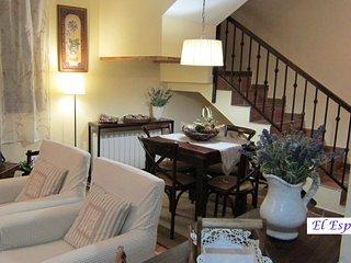Apartamento-Duplex  'El Espliego' Candelario (Salamanca). N0 Registro: 37/000175
