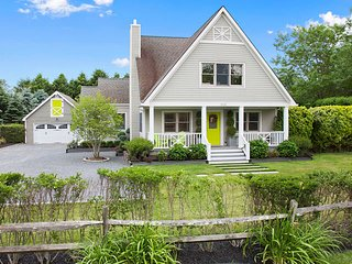 Beautiful Family Summer Home Perfect Central Hamptons Location, Water Mill