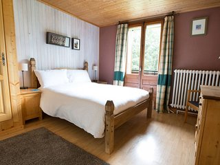 Double en-suite room with south facing balcony, Montriond