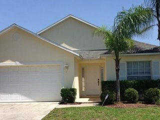 Pet Friendly 4 Bed 2 Bath Pool Home With Privacy Fence. 204HOL, Orlando