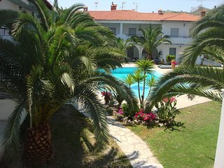 Large 3 Bed 1st Floor Apartment with Shared Pool, Pefkohori