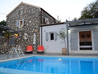 Stunning 2 bedroom renovation 5 minutes drive from Fiscardo