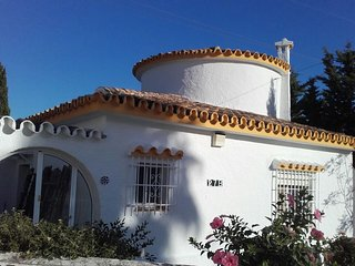 Detached Villa with Private Pool, Sea views and private parking