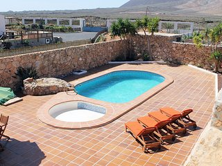 Exclusivo Chalet rústico: piscina, wifi, jacuzzi, barbacoa, satélite, Tiscamanita