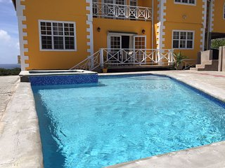 Faith's Villa Bougainvillea Two Bedroom Apartment, Signal Hill
