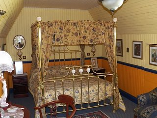 A Pilgrim's Rest Guesthouse Double Room No 3, Graskop