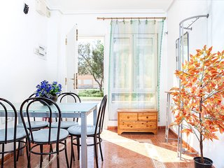 Apartamento a pie de calle a 20 metros de la playa., Almeria